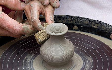 Подарок для беременной: мастер-класс по гончарному искусству