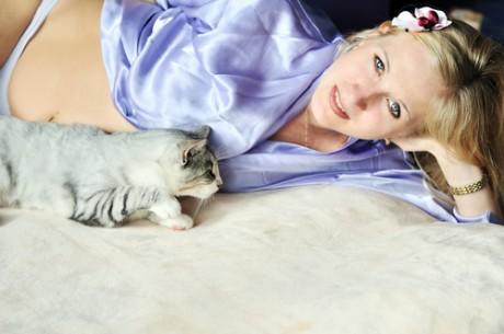 Беременная и кошки