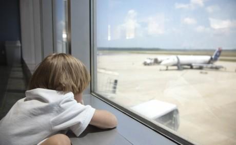 Не забудь также подготовить малыша к полету и морально
